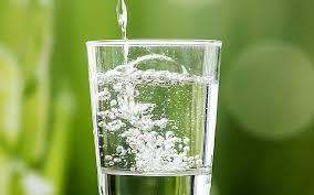 minum air kosong